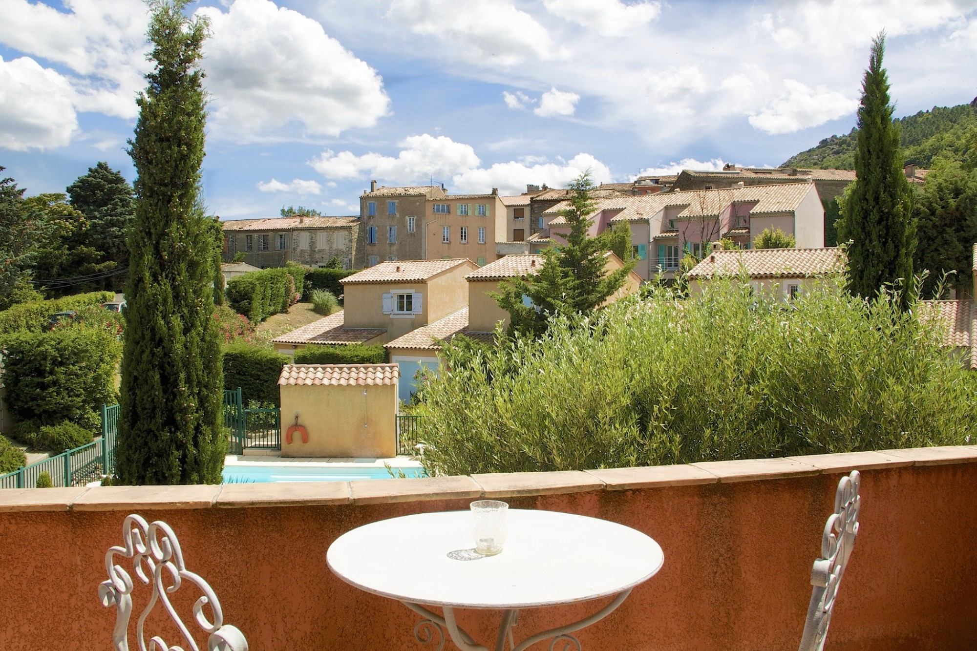 Achat maison de village et appartement sur grimaud ou for Maison ou appartement
